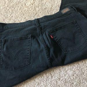 Black Straight Leg Levi Jeans